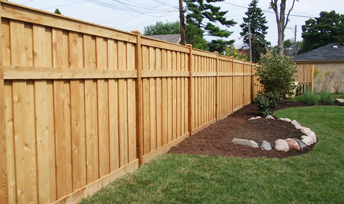 Diy Or Hire A Professional Fence Contractor Flash Fence